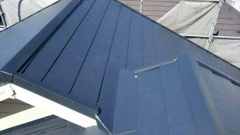 東京都練馬区北町屋根重ね葺き工事着工しました。の記事画像