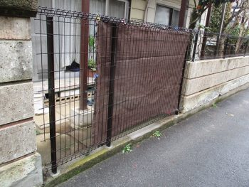 東京都練馬区平和台 フェンス取り付け モルタル補修工事の記事画像