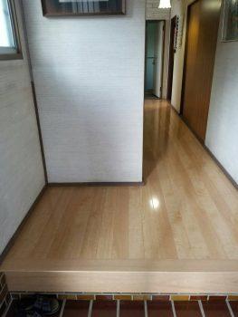 東京都板橋区上板橋玄関通路フローリング重ね張り工事の記事画像